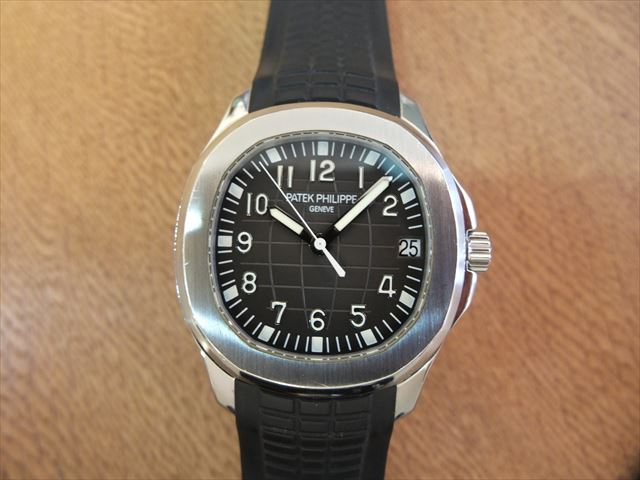 パテックフィリップ アクアノート ラージサイズ Ref.5165A-001