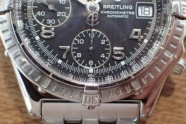 ブライトリング クロノマット 黒文字盤 A13352
